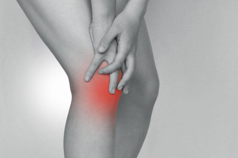 膝痛(イメージ)