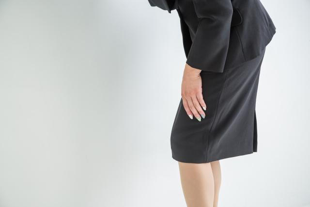 前太ももの張りに悩む女性