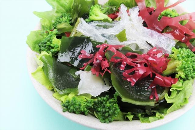 こむら返りにはミネラルが豊富な海藻サラダが効果的