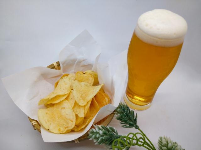 ビールとポテトチップ