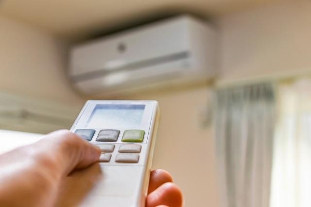 エアコンの温度を下げる操作