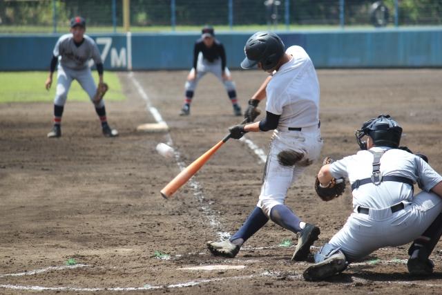 身体を捻る野球は梨状筋に負担が掛かりやすい